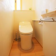 スッキリシンプルなトイレ