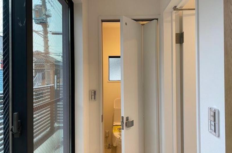 トイレ ドア